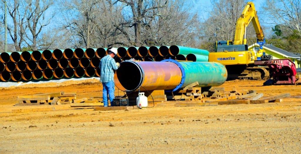 BigCreekLake_oilpipeline3214d