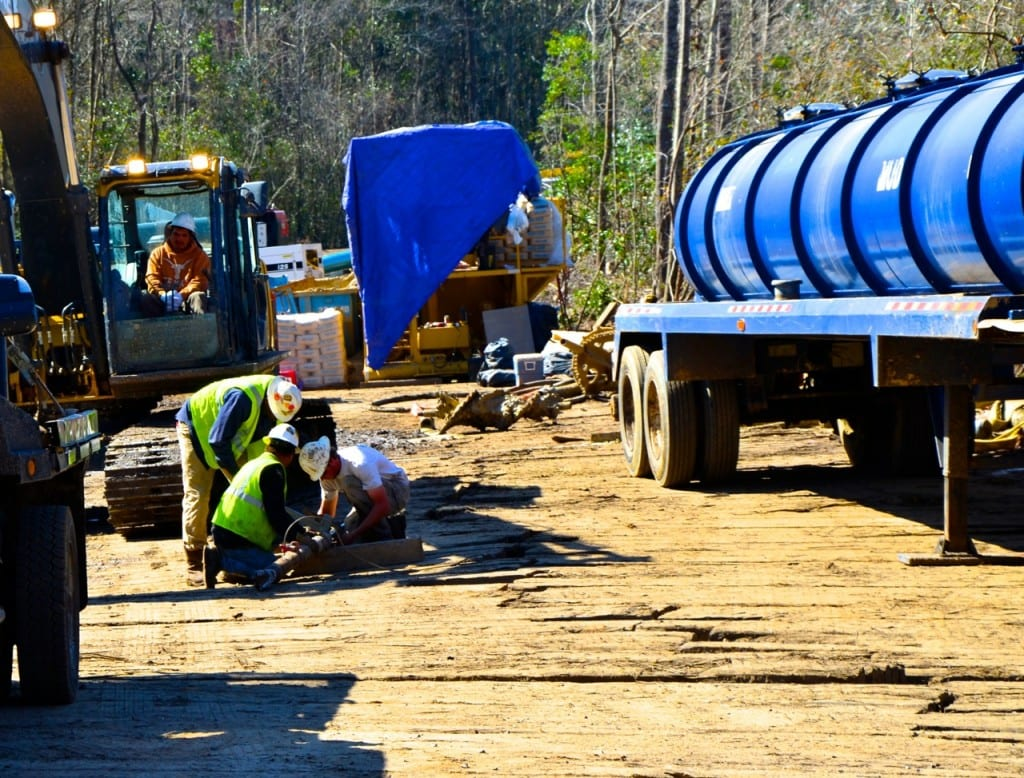 BigCreekLake_oilpipeline3214m
