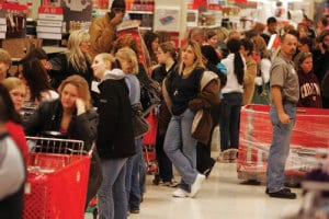 black-friday_shoppers-line