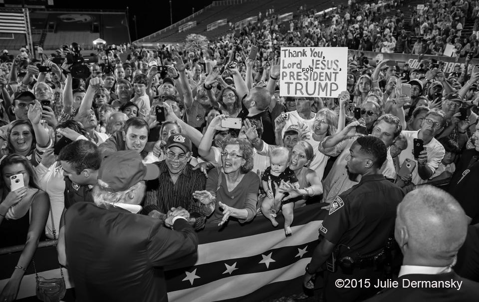 Jesus endorses Donald Trump at Mobile, Alabama rally: Julie Dermansky