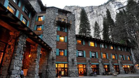 la-me-ln-yosemite-ahwahnee-hotel
