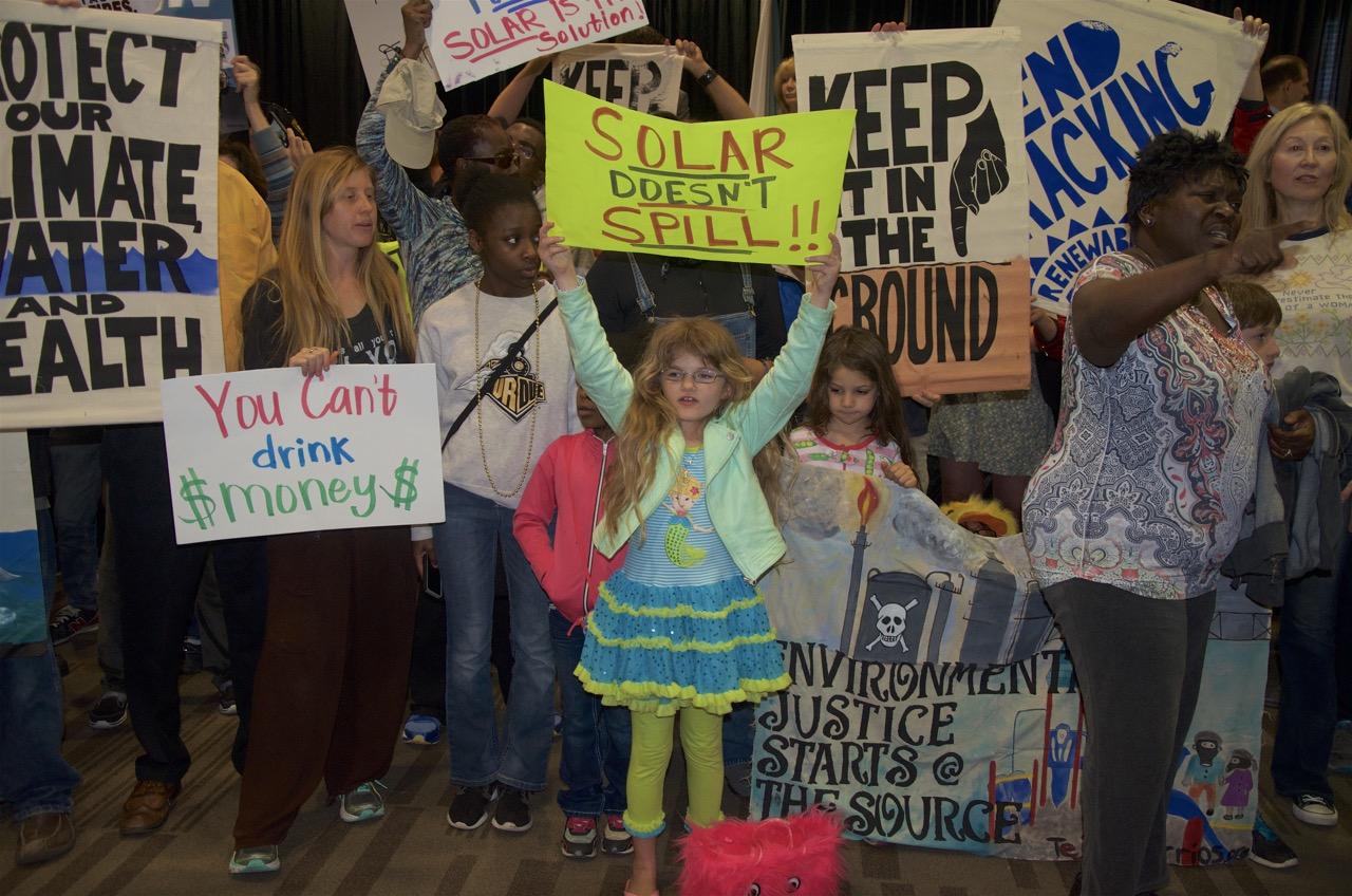 New-Orleans_oil-protest1e