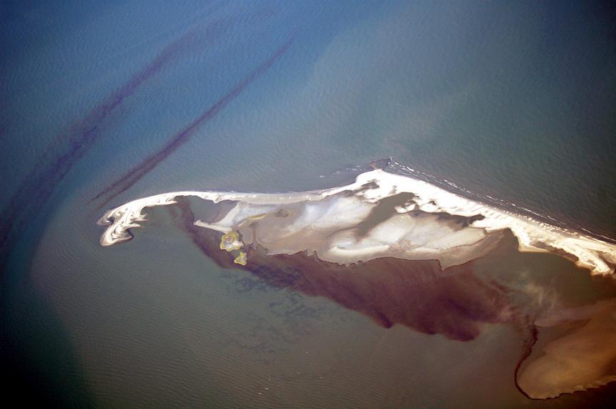 BPOilSlick_island3bg