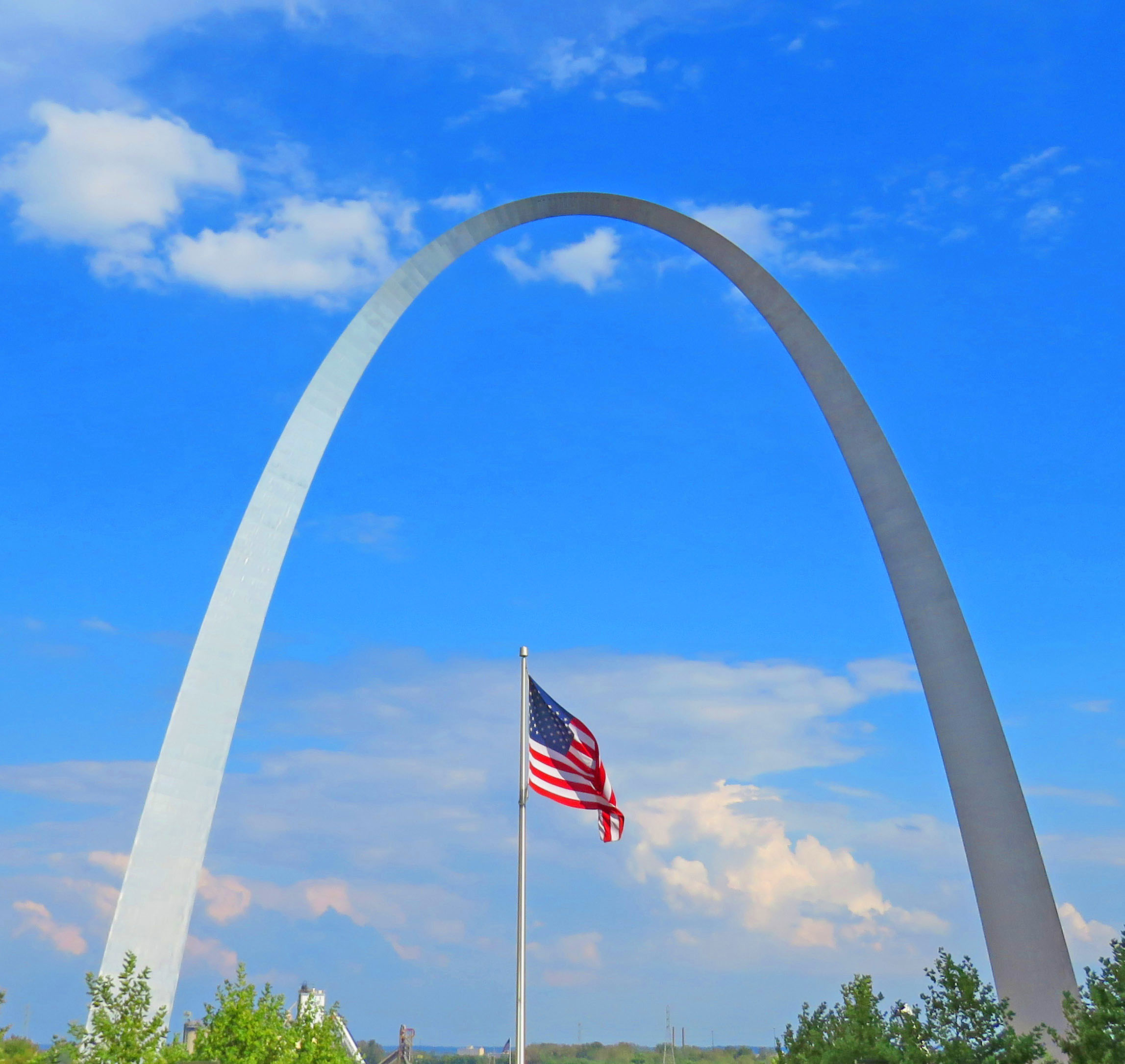 The Gateway Arch at t he Jefferson Expansion Memorial in St. Louis, Missouri: Glynn Wilson